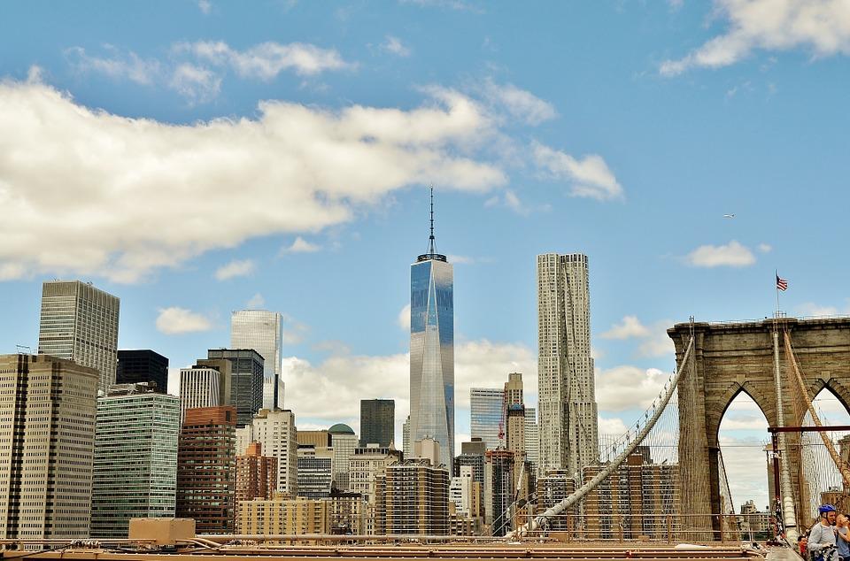 Finding Brooklyn Neighborhoods on a Budget