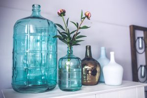How to pack fragile items such as glass vase