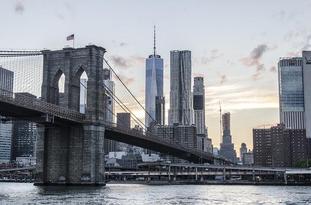 moving service NYC - Brooklyn Bridge