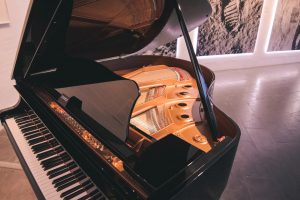 Traits of reputable piano movers in NYC