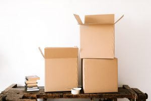 Find the right storage boxes at your moving company.